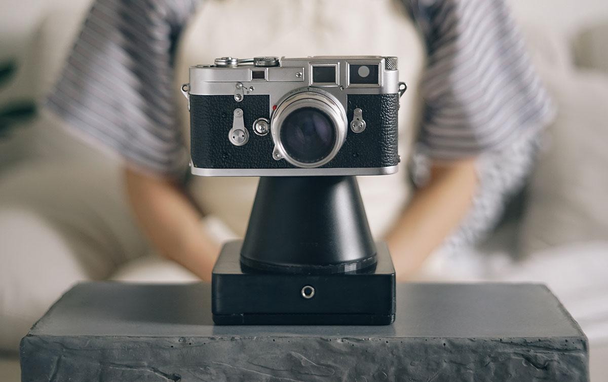 a9b0202432d5c Imagem de Case especial transforma sua câmera analógica de 35 mm em uma  Polaroid no tecmundo
