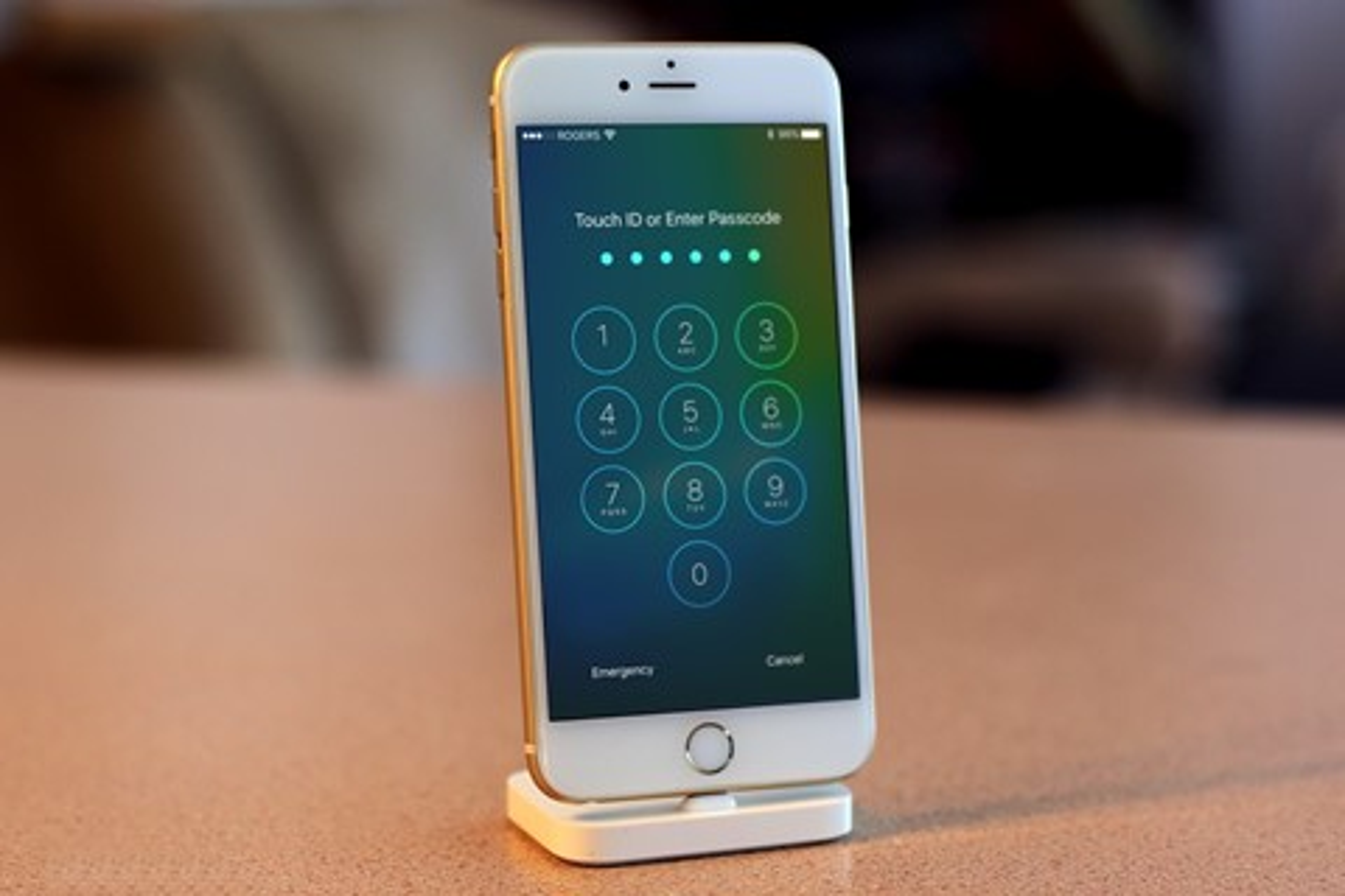 Imagem de Nova atualização vai impedir que hackers ou a polícia acessem seu iPhone no tecmundo