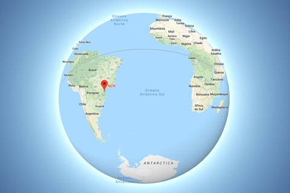 Imagem de Google Maps muda representação de escala com zoom que mostra o globo no tecmundo