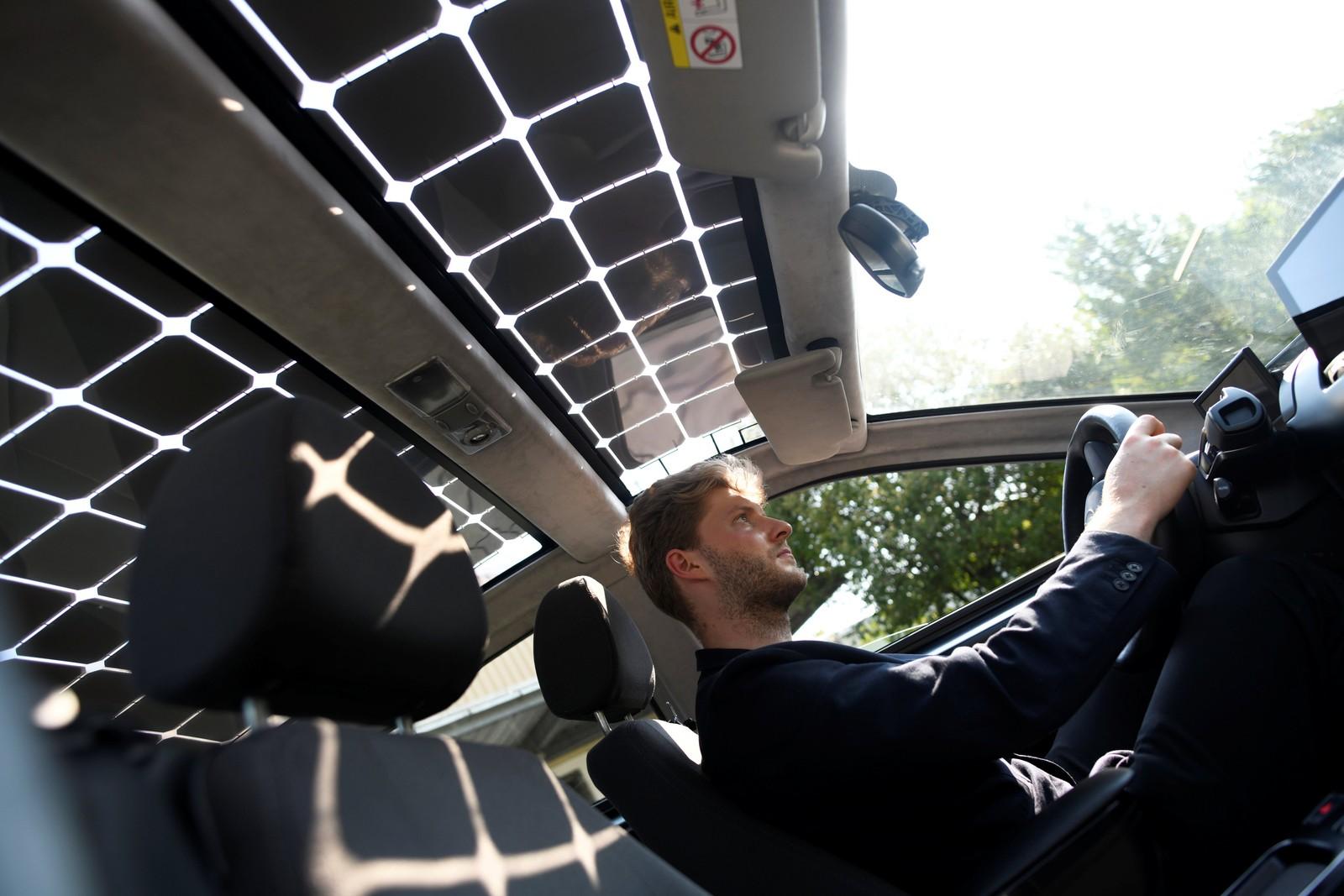 Imagem de Roda e carrega: carro elétrico usa energia solar e anda em troca de energia no tecmundo