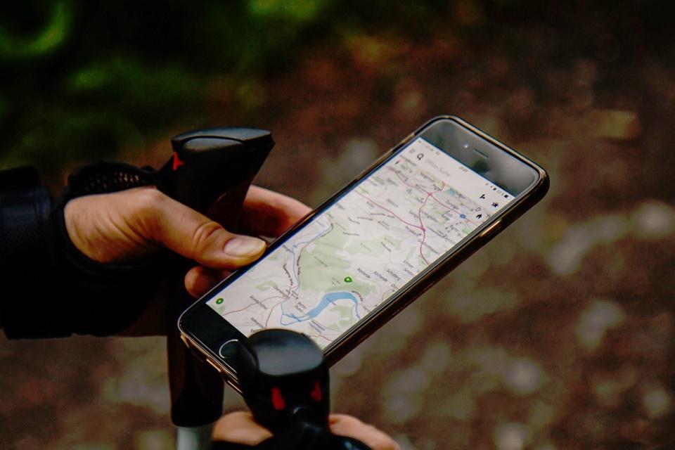 Imagem de Por que apps com GPS consomem tanta bateria? E como evitar? no tecmundo