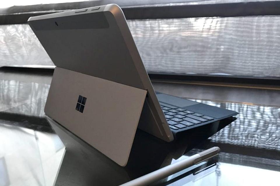 """Imagem de """"Pedido insistente"""" da Intel à Microsoft teria barrado ARM no Surface Go no tecmundo"""