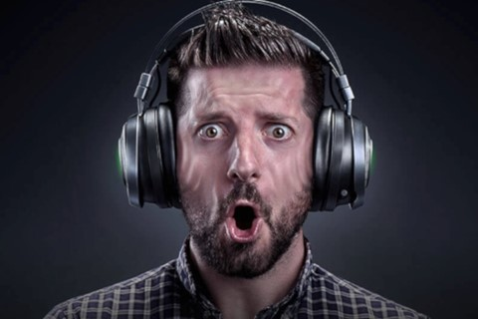 Imagem de Razer Nari Ultimate é um headset gamer que vibra no ritmo do jogo no tecmundo