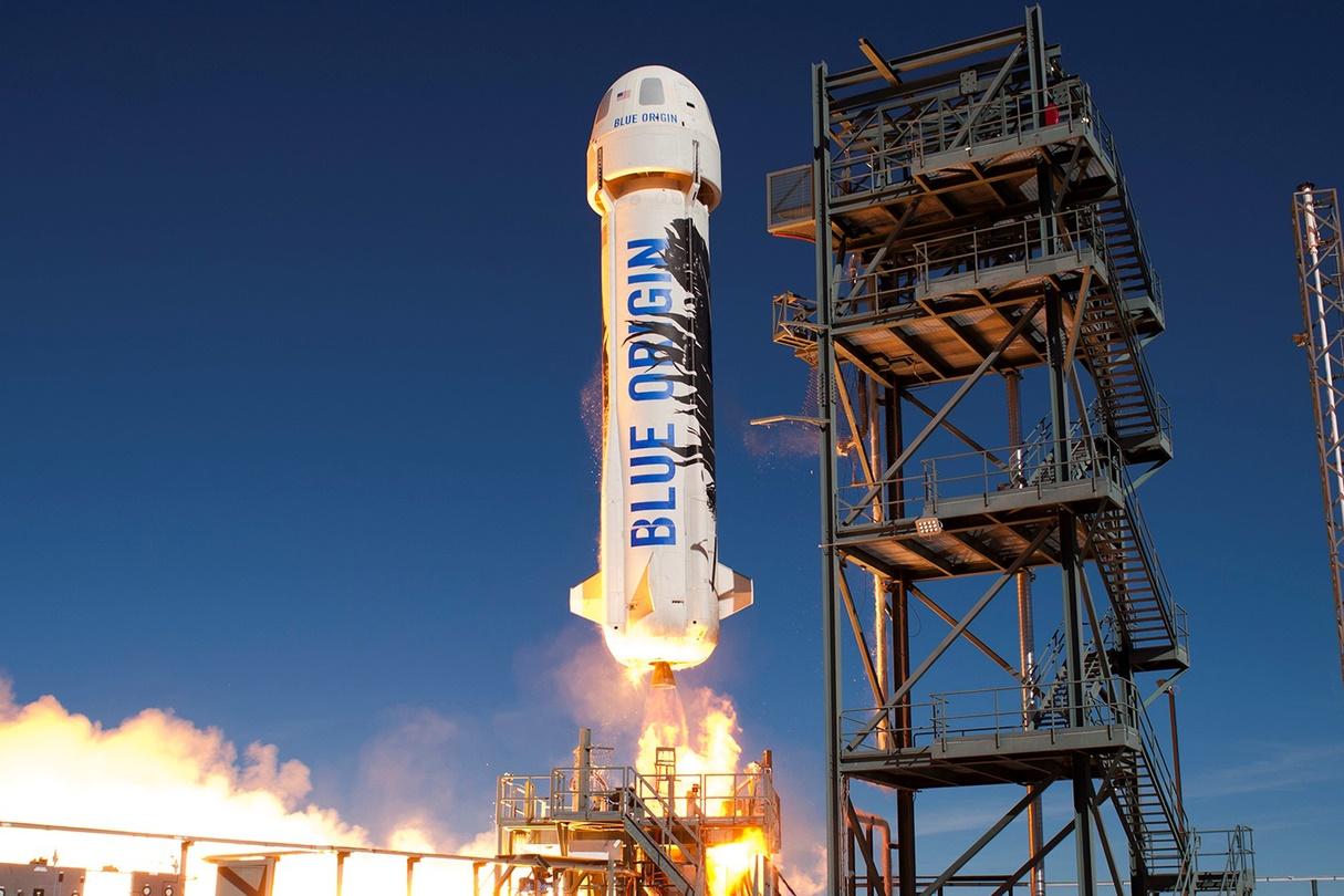 Imagem de Jeff Bezos pretende levar turistas ao espaço com a Blue Origin já em 2019 no tecmundo