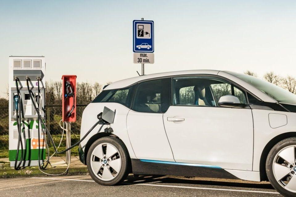 Imagem de Pontos de recarga para veículos elétricos? Agora dá para pesquisar no GMaps no tecmundo