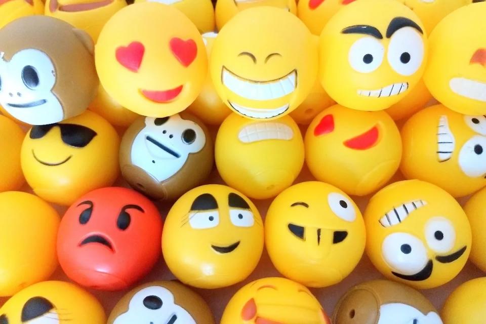 Imagem de Conheça 8 emojis que deram o que falar entre os usuários no tecmundo