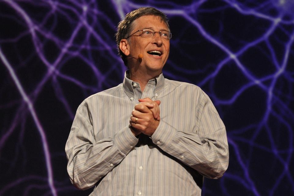 Imagem de Bill Gates exibe vaso sanitário que não usa água nem esgoto no tecmundo