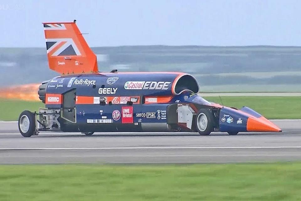 Imagem de Projeto Bloodhound SSC, o carro dos 1600 KM/h, é suspenso no Reino Unido no tecmundo