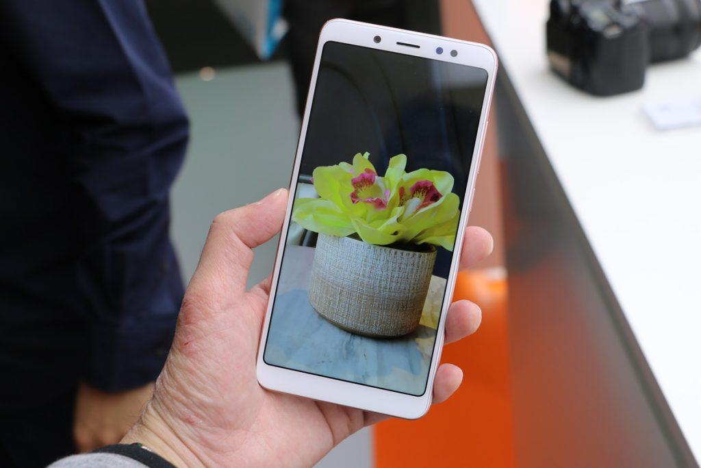 Imagem de Xiaomi Redmi Note 5 tem 64GB de memória e está custando pouco mais de R$600 no tecmundo