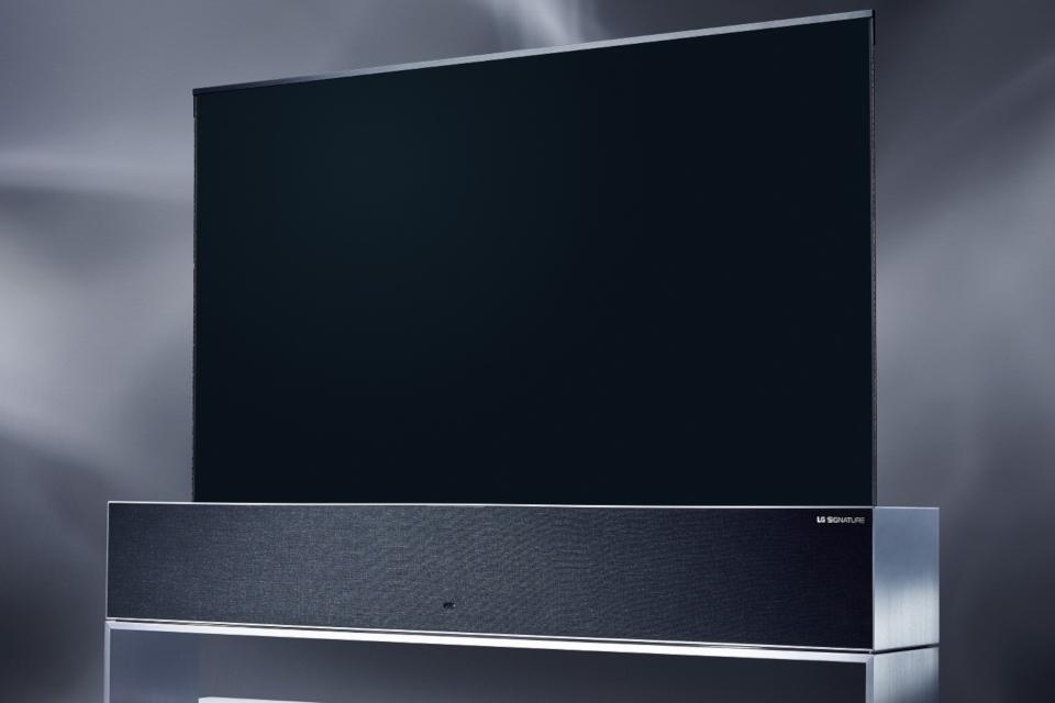 Imagem de TV 4K dobrável da LG será lançada oficialmente nos próximos meses no tecmundo
