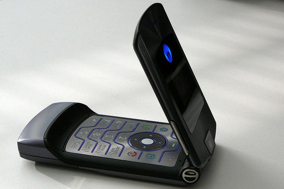 Imagem de Ele voltou: Motorola Razr deve ser relançado como smartphone dobrável no tecmundo