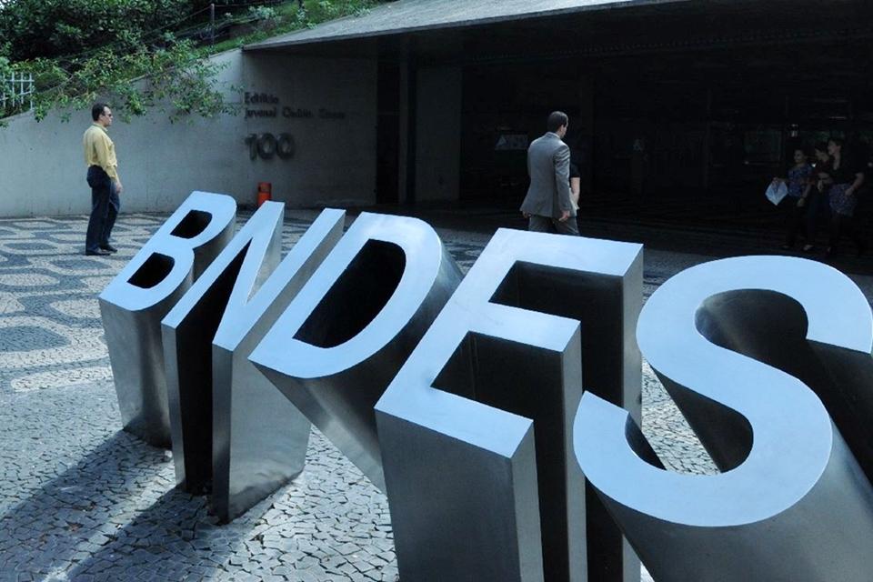 Imagem de Tim e Telefônica estão entre as empresas que mais usam verba do BNDES no tecmundo