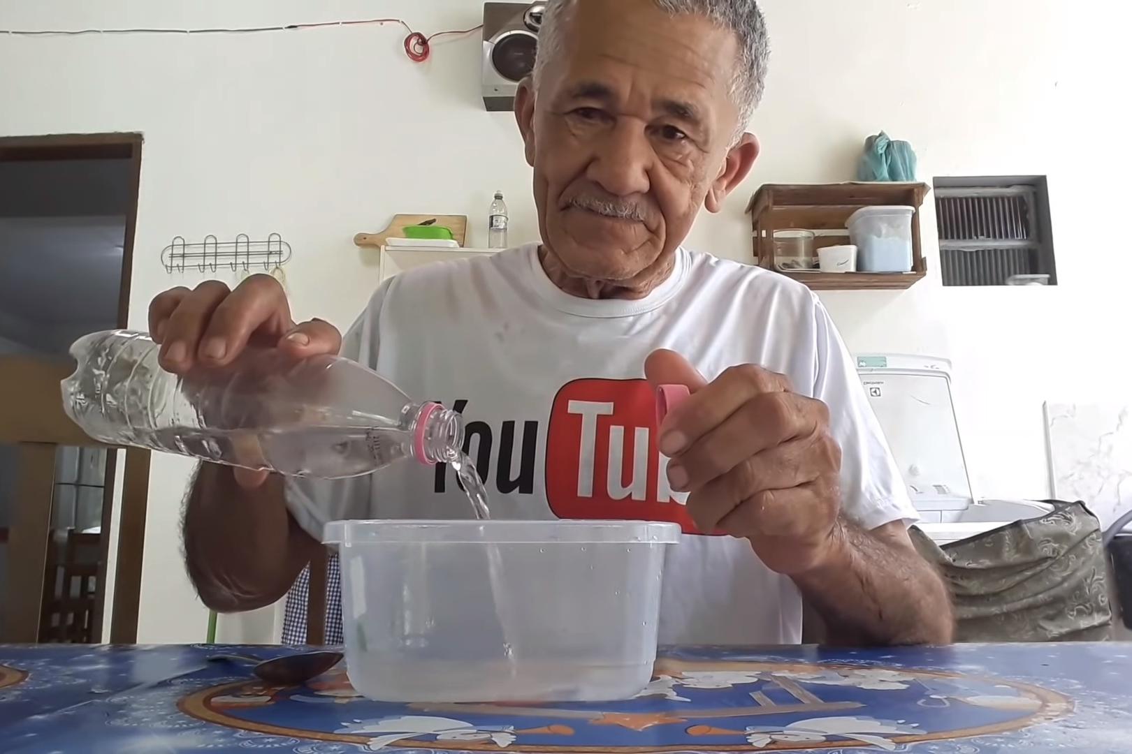Imagem de Quem é Nilson Izaías Papinho, o senhor de 71 anos que conquistou o YouTube no tecmundo