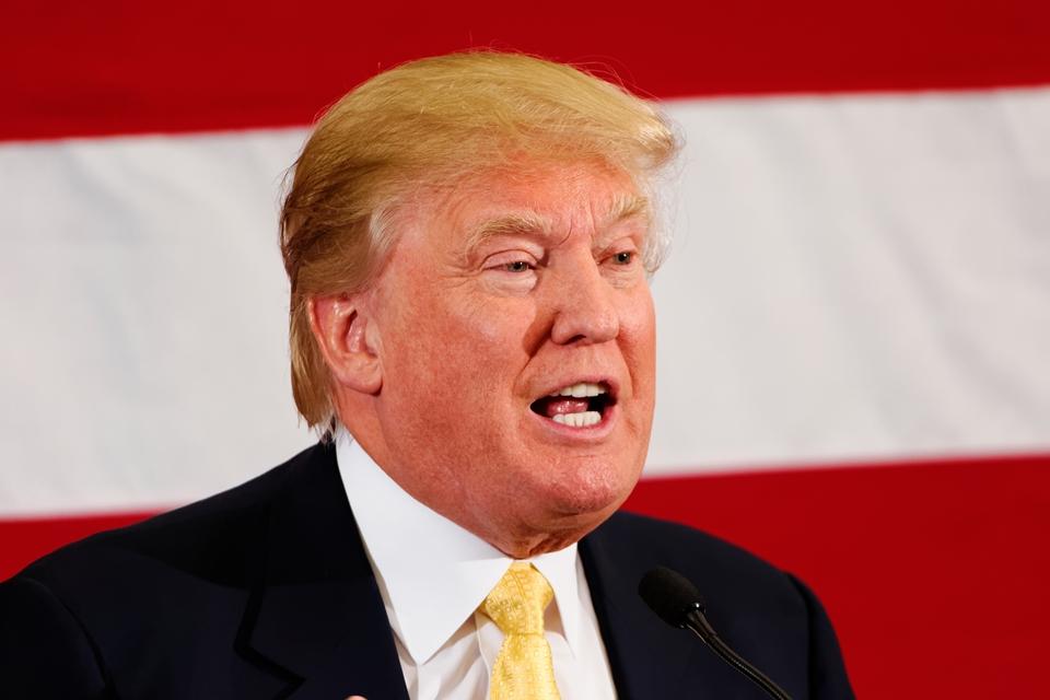 Imagem de Trump deve banir operadoras dos EUA de usarem equipamentos chineses no tecmundo