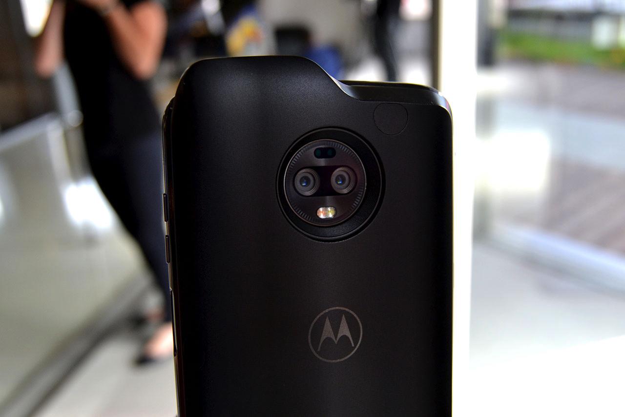 Imagem de Documento dá detalhes sobre mod do Moto Z3 que vai permitir conexão 5G no tecmundo