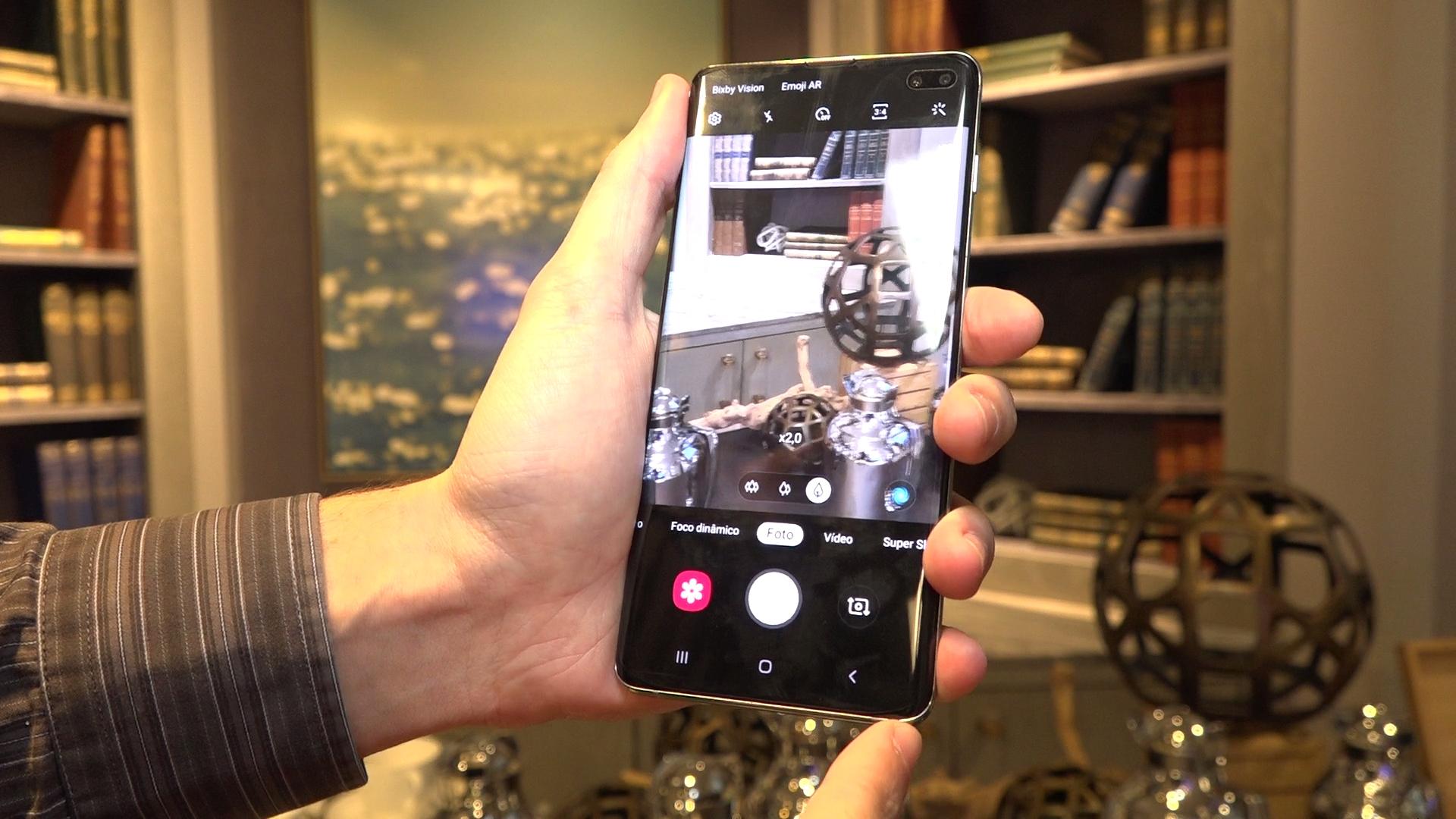 Galaxy S10+ cameras software