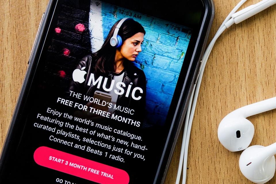 Imagem de Já é possível buscar por letras de músicas no Apple Music aqui do Brasil no tecmundo