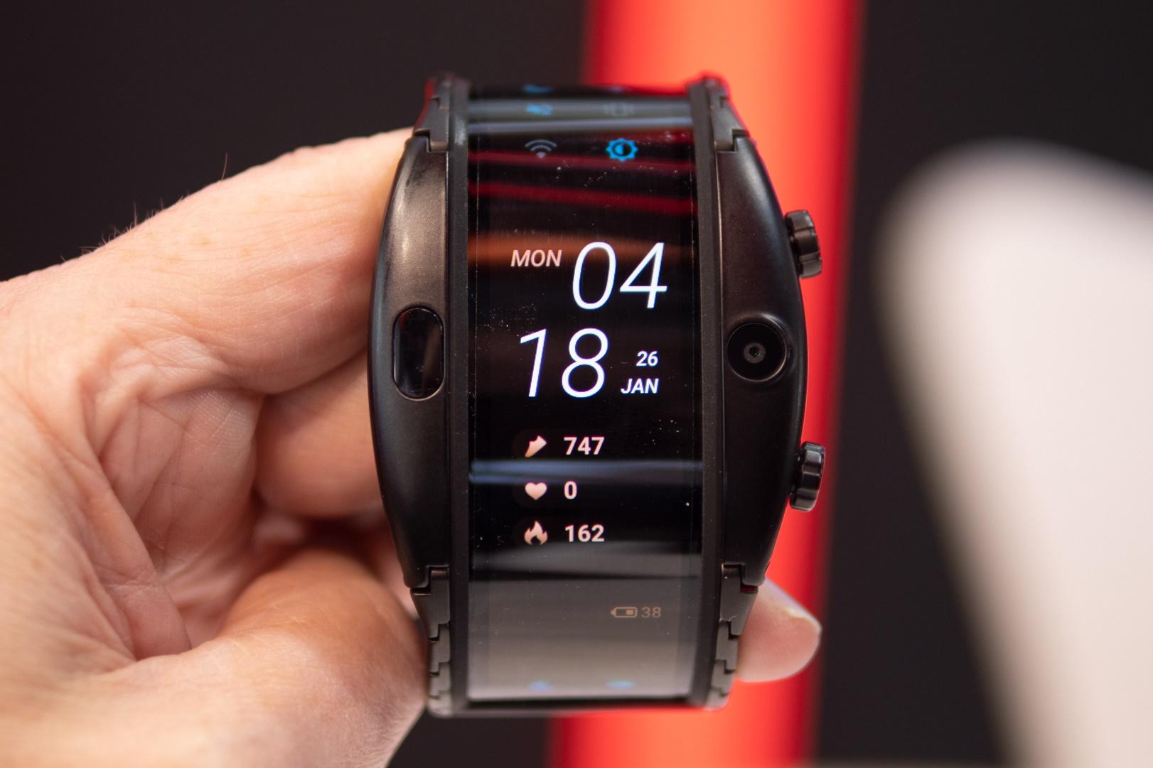 """Imagem de Nubia Alpha, o """"relógio smartphone"""", já tem preço e data de lançamento no tecmundo"""