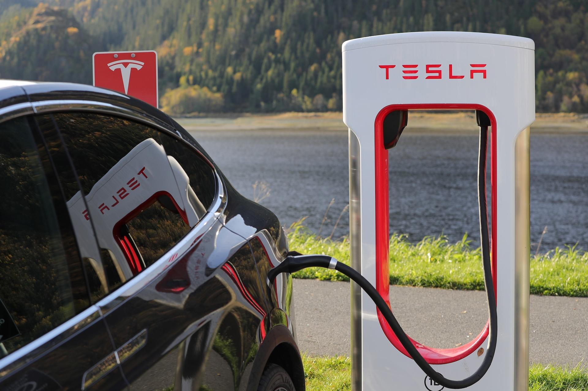 Imagem de Tesla pode ficar sem dinheiro em 10 meses se não mudar, diz Elon Musk no tecmundo