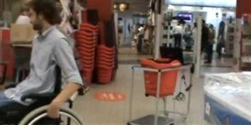 Imagem de wi-GO: carrinho de compras com Kinect que segue cadeirantes pelo supermercado no site TecMundo