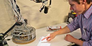 Imagem de Estudante do MIT cria luminária integrada ao computador no site TecMundo